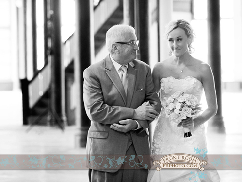 Milwaukee wedding photo by Front Room Photography; WedinMilwaukee.com