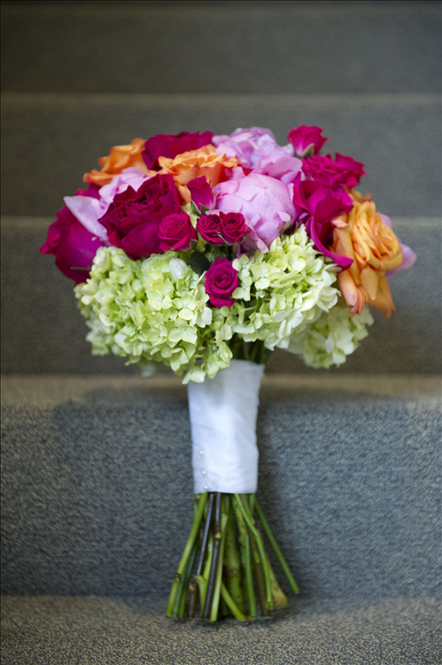 Milwaukee wedding flowers: Four Sisters Floral Co., photo: JBe Photography
