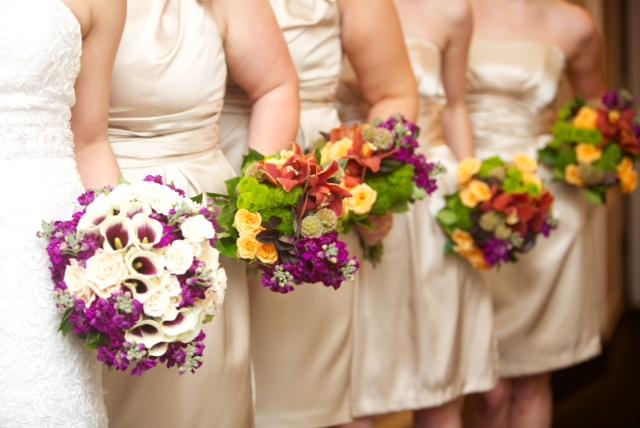 Milwaukee wedding flowers: Locker's Florist