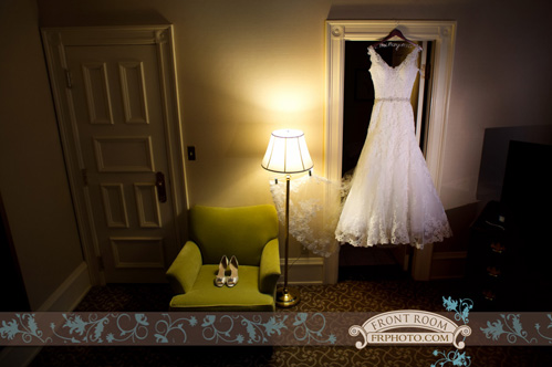 Milwaukee wedding by Front Room Photography on Wed in Milwaukee.
