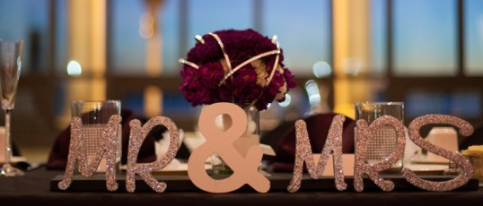 Wedding DIY: Mr & Mrs Sign